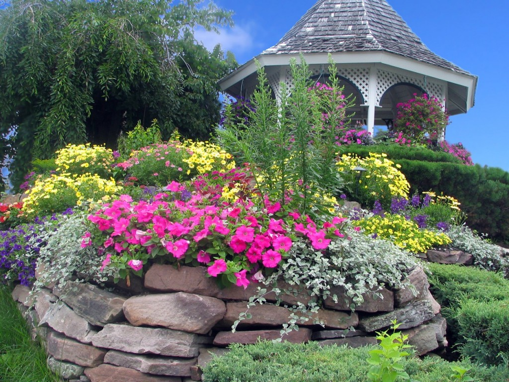 Gazebo-With-Flower-Landscape